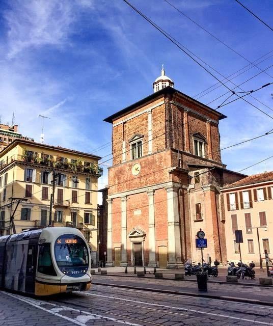 Con Claudio Sabatini e Tram Milano passiamo davanti a San Nazaro #milanodavedere Milano da Vedere