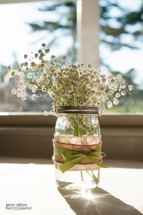 baby's breath centerpieces in mason jars | Baby's breath + mason jar + burlap  centerpieces