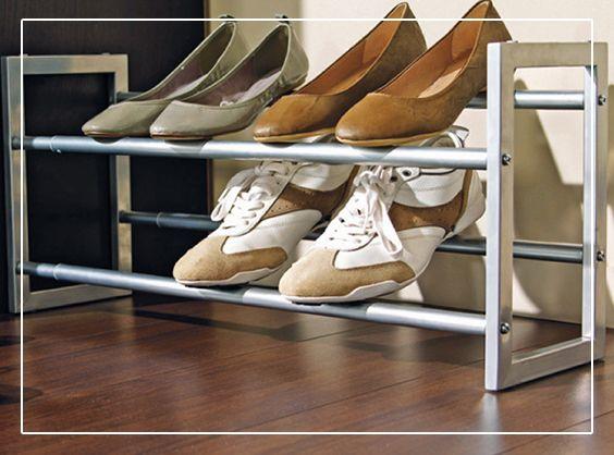 Dans L Entree Ou Le Dressing Optimisez Le Rangement Des Chaussures Avec Ce Porte Chaussures Extensi Porte Chaussures Amenagement Dressing Rangement Chaussures