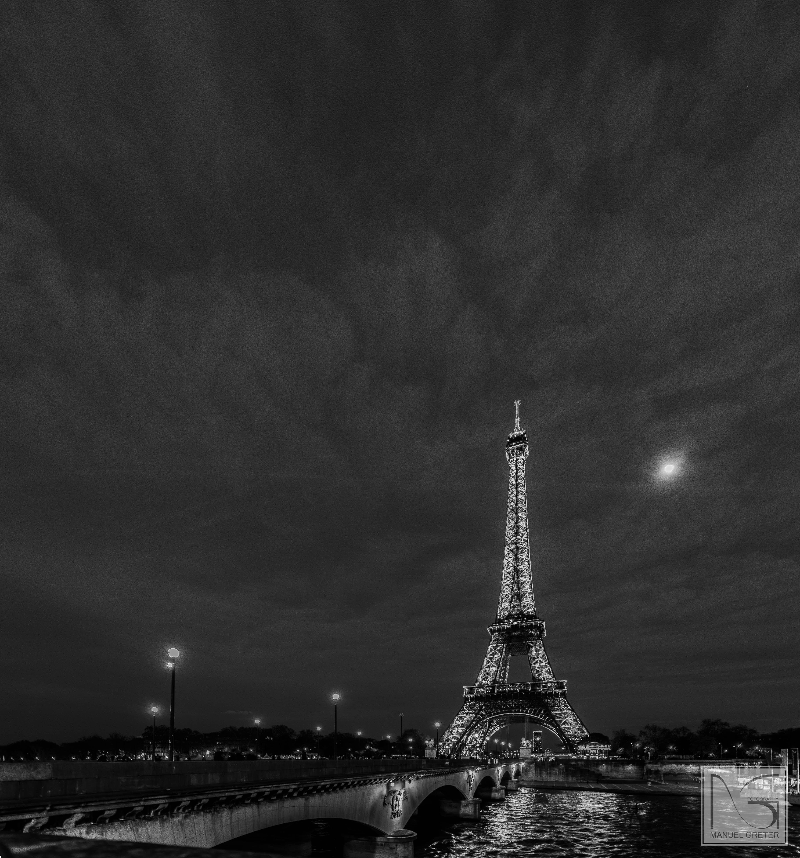 eiffelturm by night