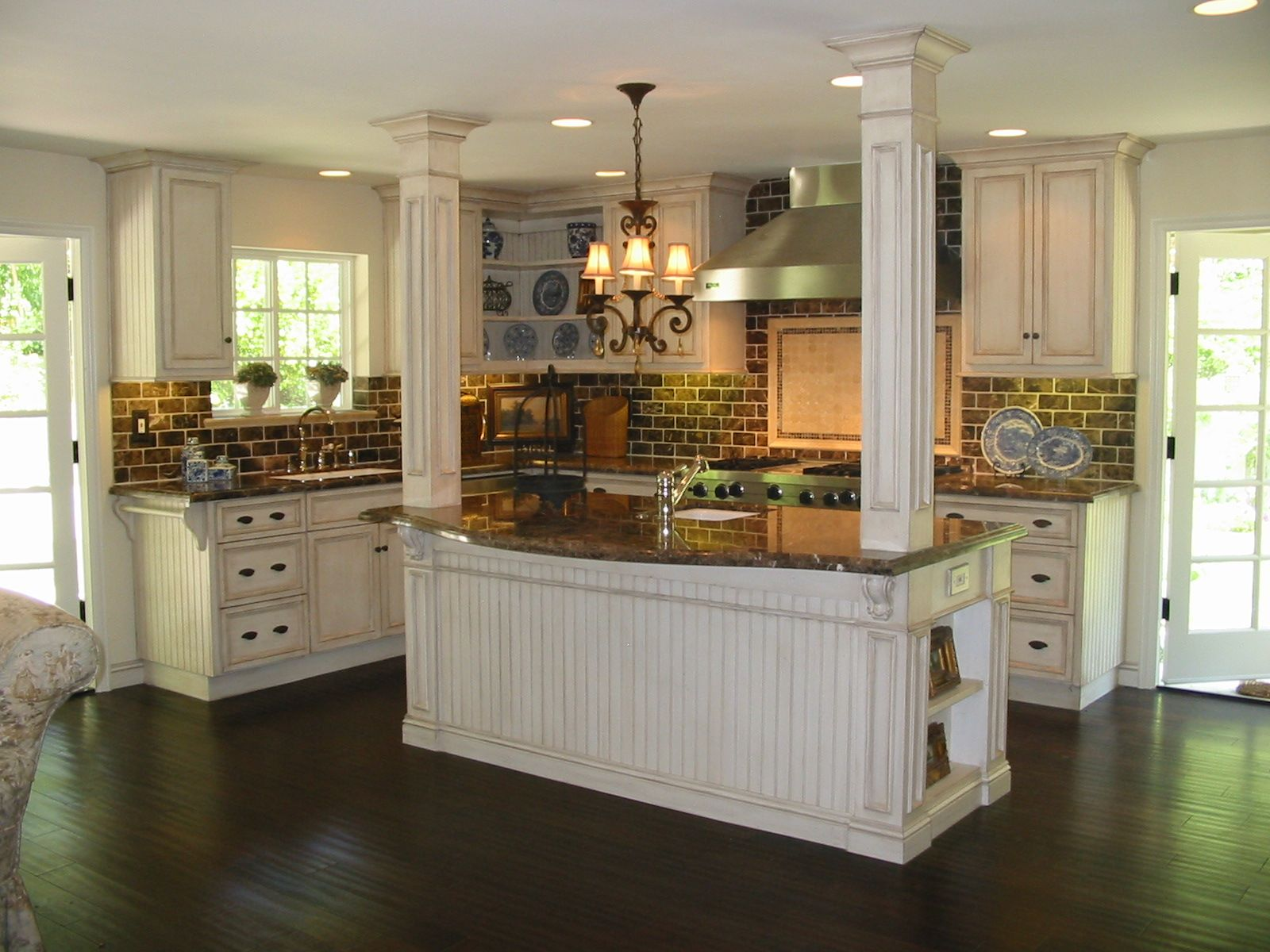 Pictures French Country Beadboard Backsplashs French Country Kitchen Woodland Hills Ca Cu Country Kitchen Designs Country Kitchen Cabinets Country Kitchen