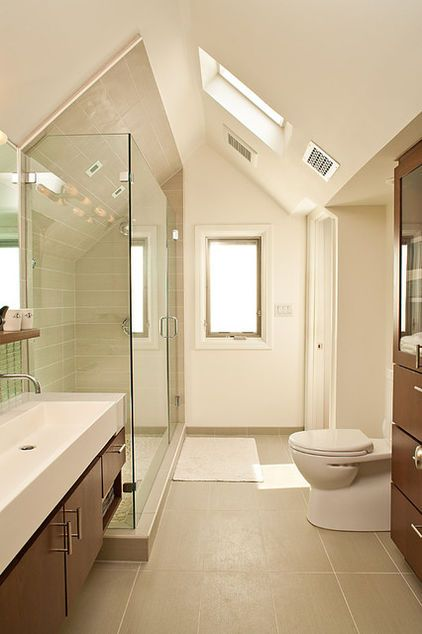 Make Sure Shower Panels Leave Room For Ventilation Notice How These Glass Panels Do Not Go All The Way To Th Narrow Bathroom Designs Loft Bathroom Attic Rooms