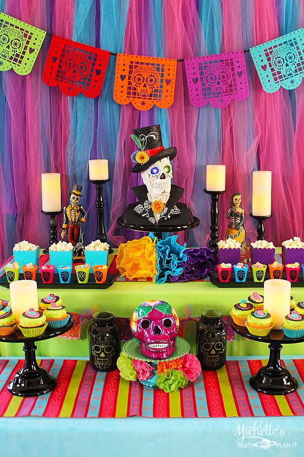 Dia De Muertos Day Of The Dead Party Ideas Michelle S Party Plan It Mini Altar De Muertos Fiesta Dia De Muertos Fiesta De Los Muertos