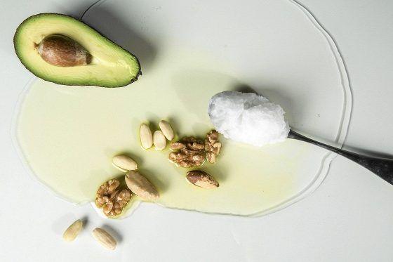 Laadukkaita rasvoja sisältävät ruoka-aineet ovat tärkeitä ihon hyvinvoinnille.
