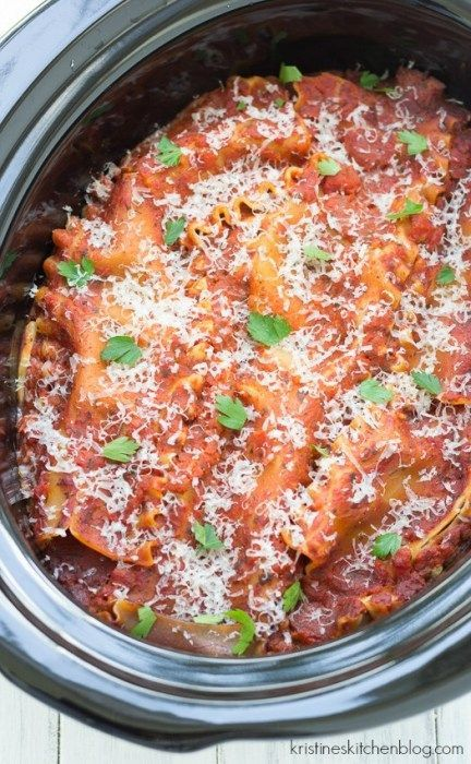 This crock pot lasagna is possibly the easiest lasagna you will ever make. A few minutes of stovetop cooking for the meat and onions, and then into your slow cooker everything goes. Dinner will be ready when you are! #crockpotlasagna This crock pot lasagna is possibly the easiest lasagna you will ever make. A few minutes of stovetop cooking for the meat and onions, and then into your slow cooker everything goes. Dinner will be ready when you are! #crockpotlasagna