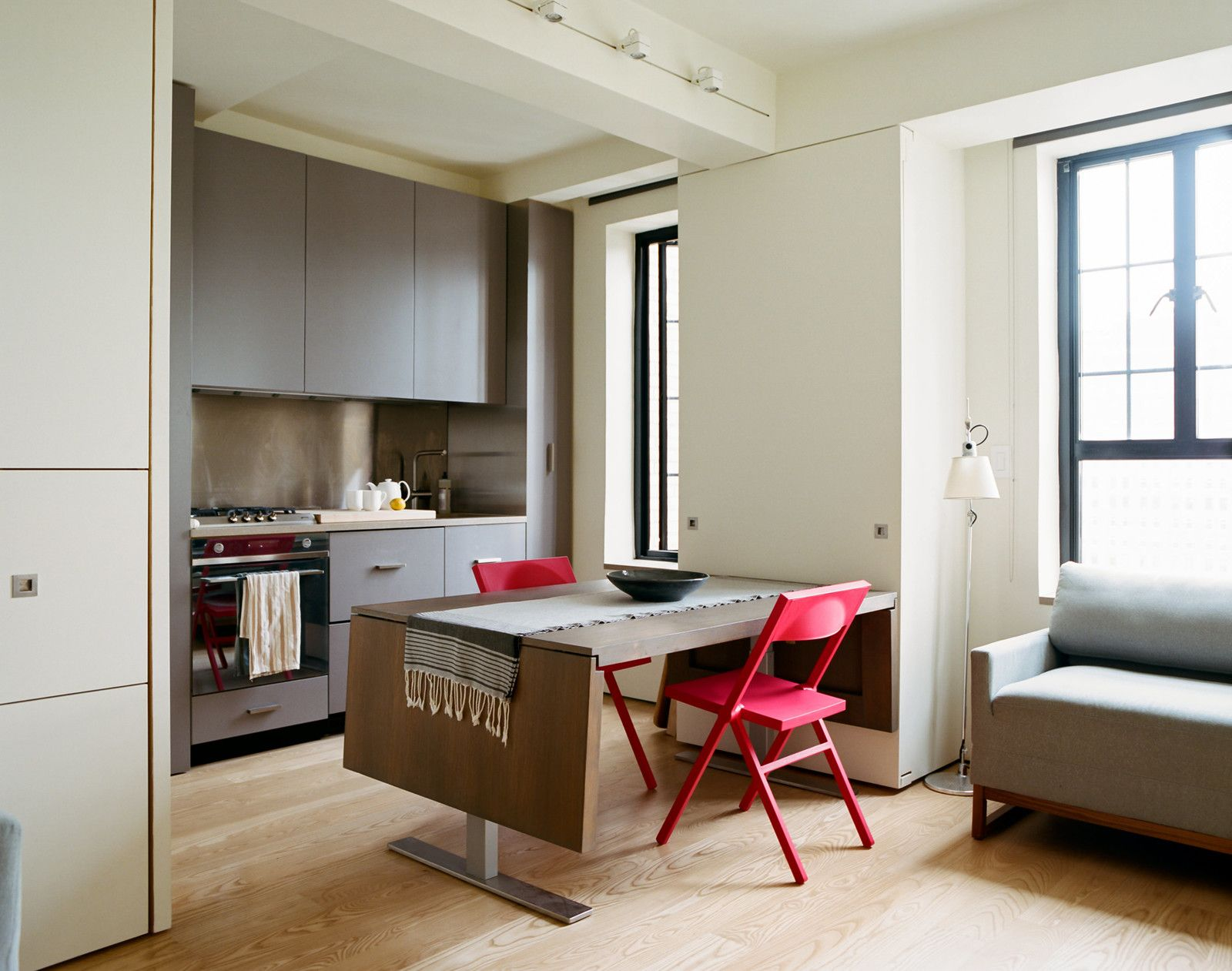 A Pivoting Wall Makes This Tiny Studio a Fit For Any Occasion | Tiny ...