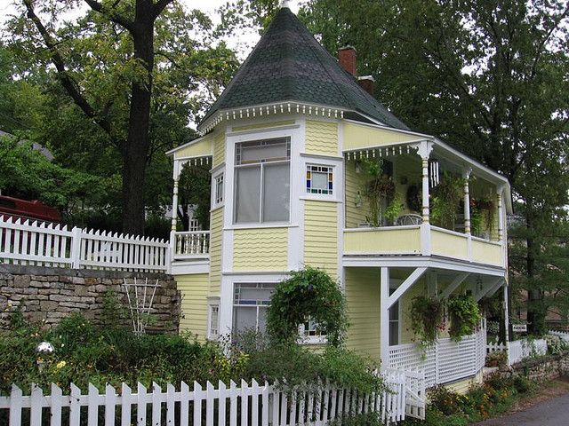 Natalie S House In Eureka Springs Ar Cottage Small Cottage Cottage Style Homes