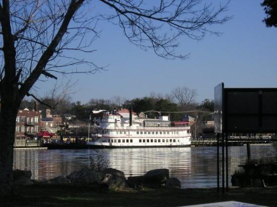 Henrietta Iii Downtown Wilmington Nc Trip Advisor Oak Island Wilmington