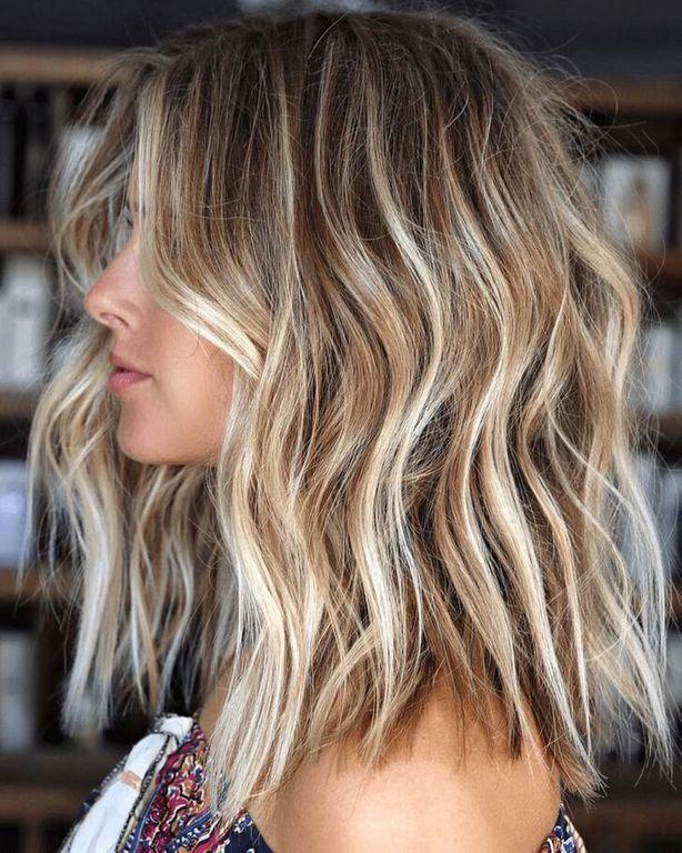 Tendance Cheveux 2020 Caramel Ou Blond Polaire Les Balay Coupe Cheveux Mi Longs Blonds Balayage Cheveux Courts Idees Cheveux Blonds