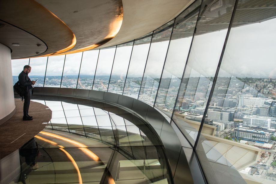 The Space Needle S Rotating Glass Floor Lets You Float 500