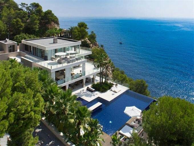 Dream Villa In The South Of France