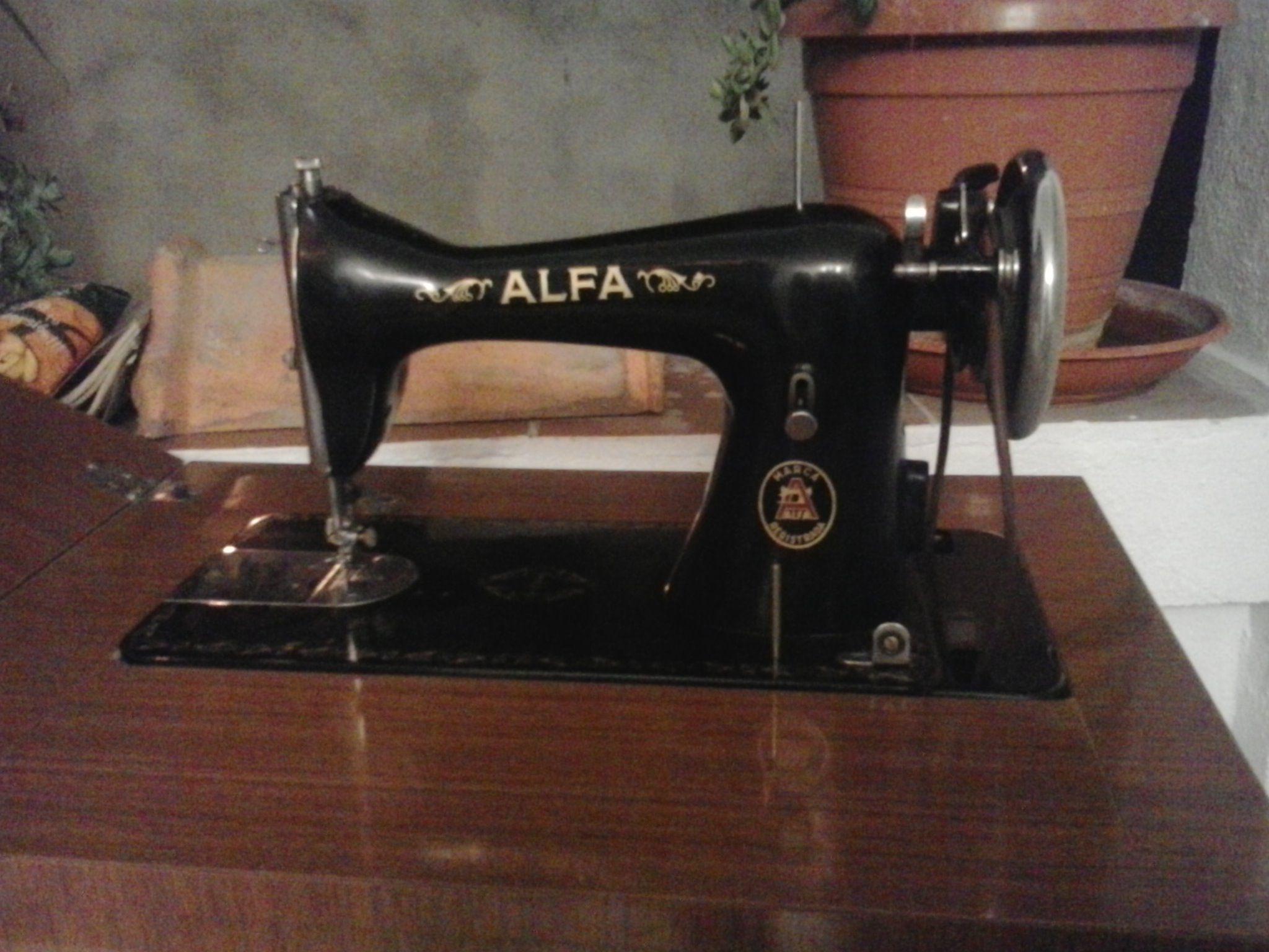 Vendo Maquina De Coser Antigua De Marca Alfa Httpboibufyhl