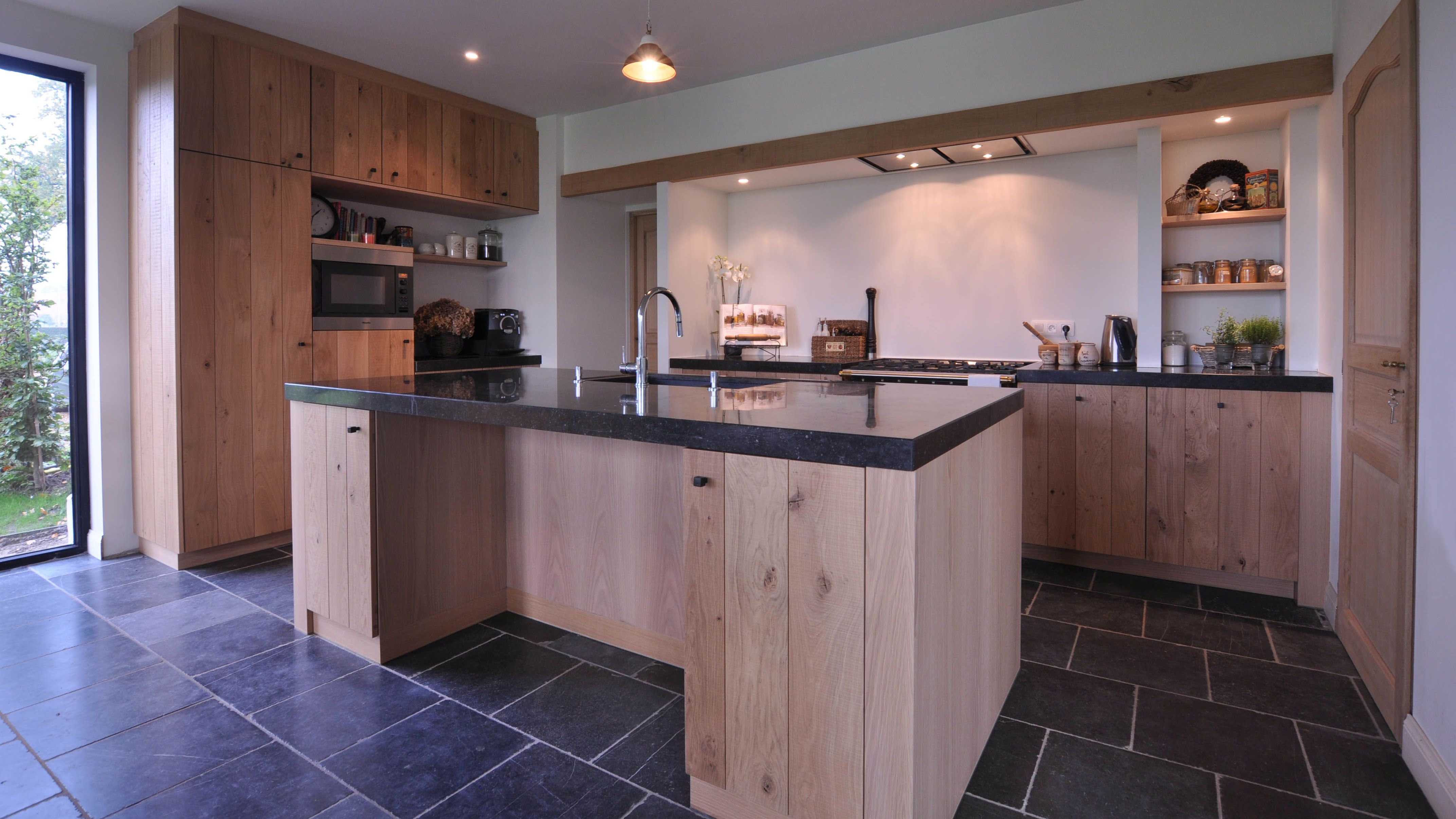 Landelijk kitchens pinterest for Eetkamerstoelen landelijk interieur