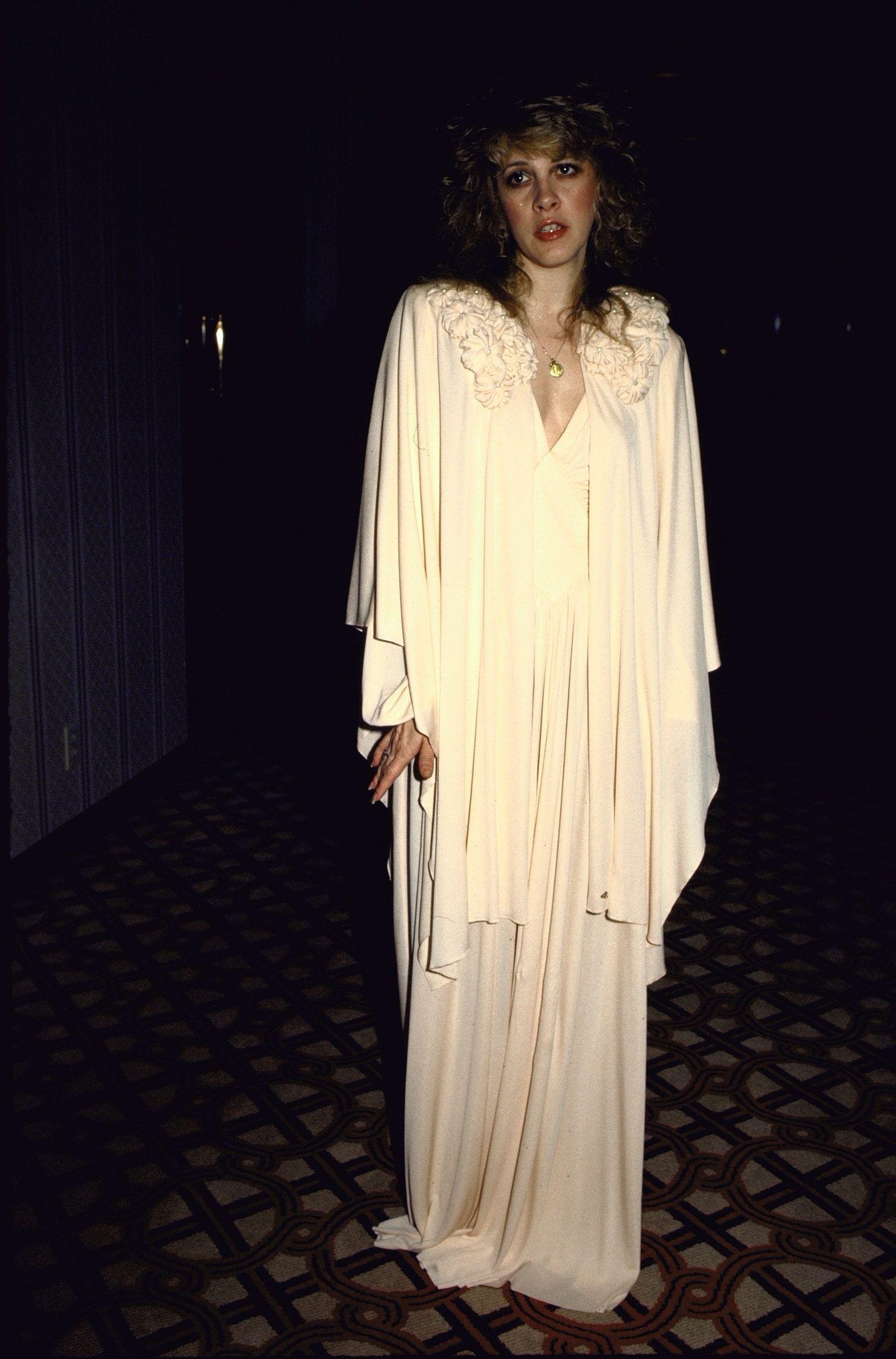 Pin By Gloria Crane On Seashells Stevie Nicks Style Stevie Nicks Stevie [ 2329 x 1536 Pixel ]