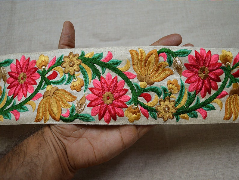 Embellishments Home Decor Embroidered Trim by the yard Drapery Hats Bag Indian Saree Trimmings Decorative Ribbon Crafting Sewing borders