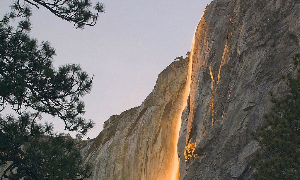 Glow with the flow: The amazing 2,000ft natural 'firefall' that brightens up Yosemite National Park Every year for a few days in the month of February, the sun's angle is such that it lights up Horsetail Falls (in Yosemite) as if it were on fire.