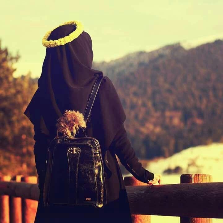 Pin By Bleedinĝ Rose On Hijab Muslima Beautiful Hijab Muslim Women Fashion Niqab