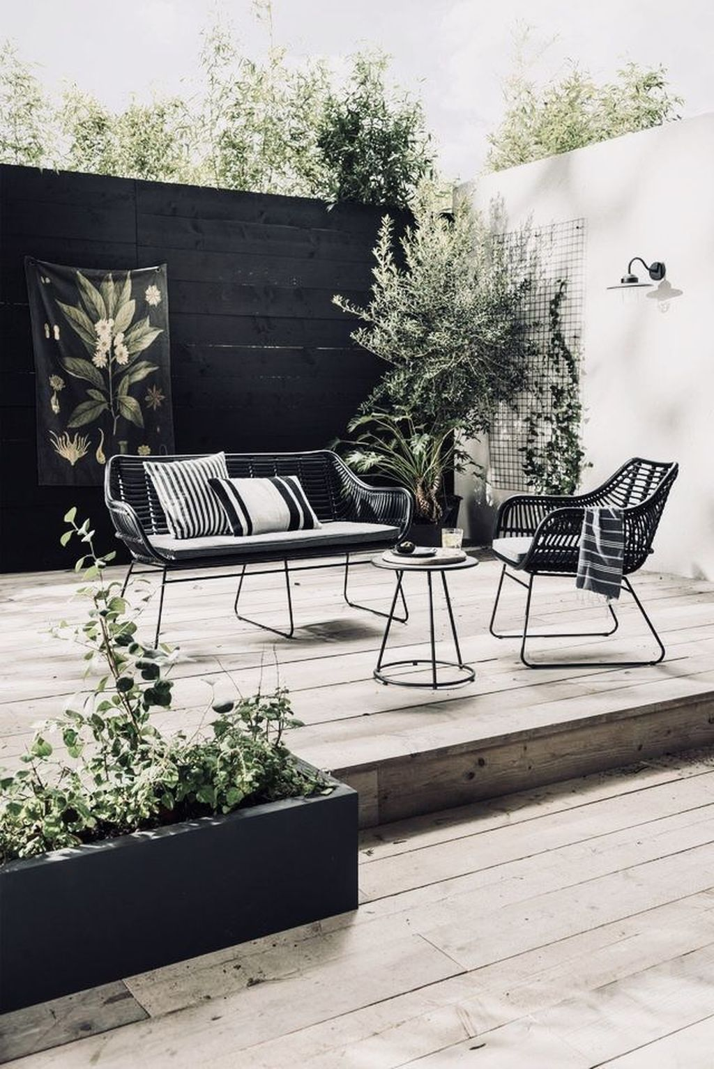 20 Magnificent Patio Furniture Ideas For Your Outdoor Garden Black Patio Furniture Modern Garden Furniture Metal Patio Furniture