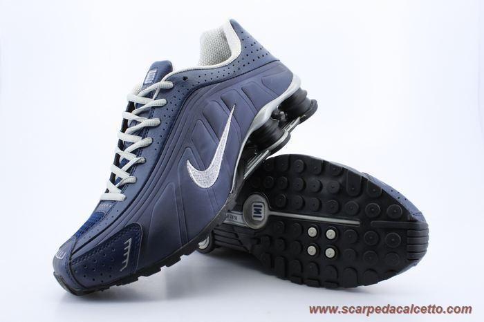 Uomo Deep Blu Argento Nike Shox R4 Uomo 103174 palloni calcio ... be6baa5e101
