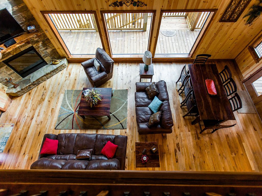 Time Well Wasted is a luxurious 4 BR; 3 1/2 Bath cabin