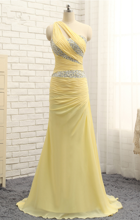 An Evening Gown With A Yellow Silk Yellow Long Gown Evening Gown