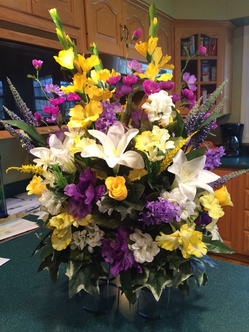 Best 25 Funeral Homes Ideas On Pinterest: Best 25+ Floral Arrangements For Funeral Ideas On