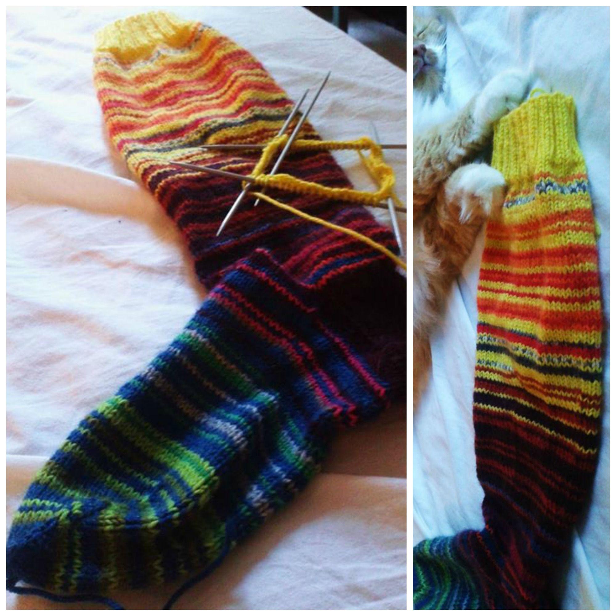 Kaverin tekemä sukka. Raitainspiraatiota. My friend made this sock. Stripe inspiration.