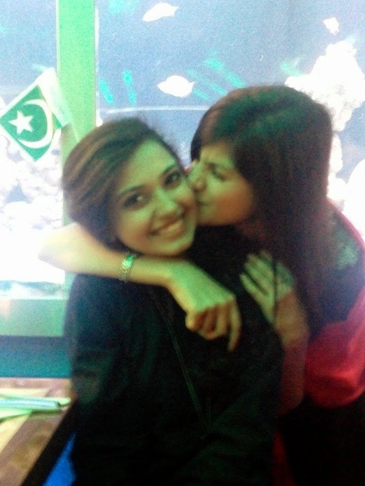 Desi Pakistani Girls Lesbian Kisses Hd Photos  Pakistani -8659