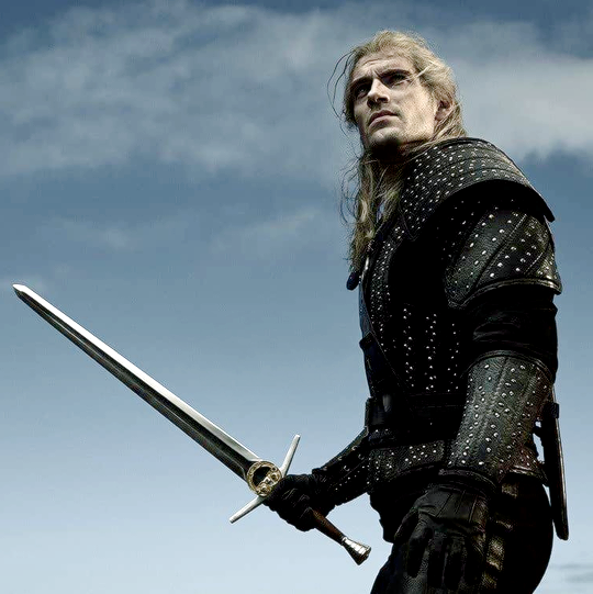 New Photo Of Henry Cavill As Geralt Of Rivia In The Witcher The Witcher Henry Cavill Geralt Of Rivia