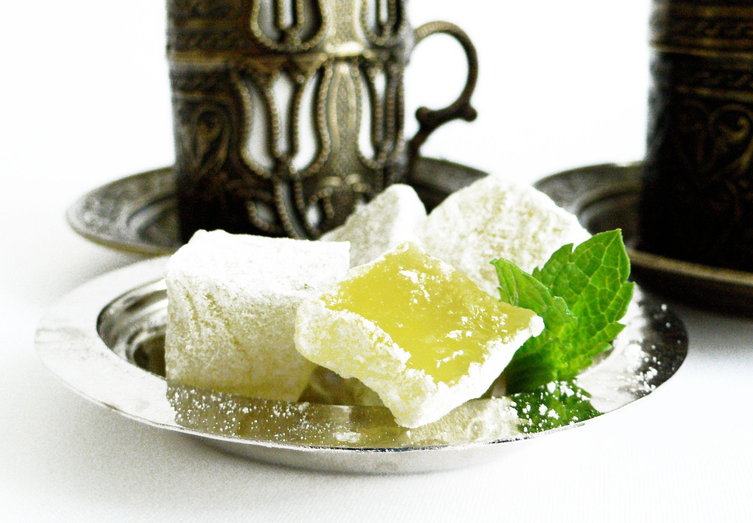 Turkish delight, lokum with mint. Confiserie Orientale Berlin.