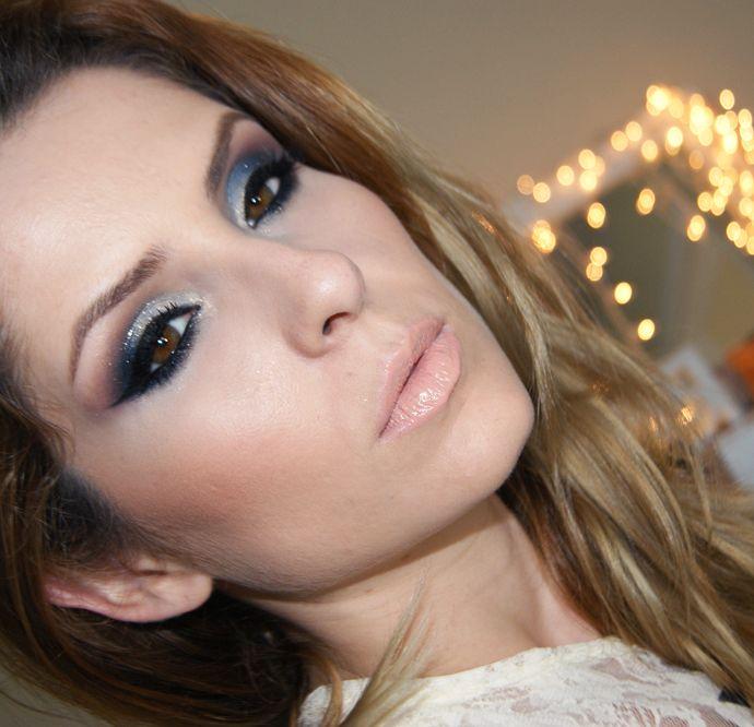 Pausa para Feminices » Blog Archive Tutorial - maquiagem com azul e dourado para o Natal por Claudia Guillen » Pausa para Feminices