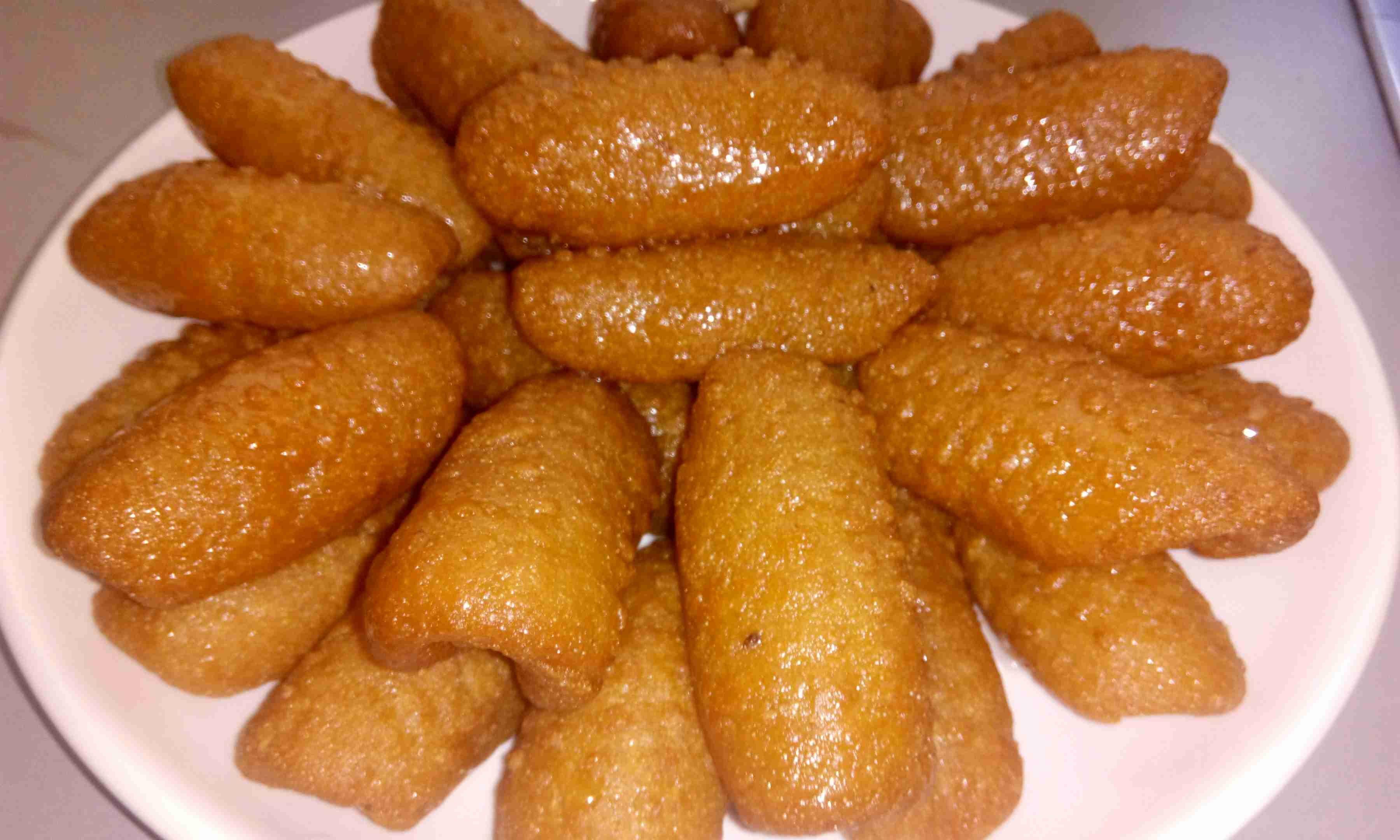 اصابع زينب المقرمشة معكرون طعم روووعة لذيذة ومقرمشة وسهلة التحضير ولاخذ القرمشة ولتاني يوم اتباع نفس الطريقة Food Arabic Sweets Sausage