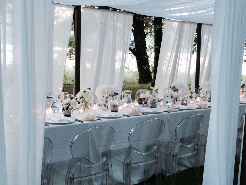 Sedie trasparenti ~ Sedie trasparenti gazebi in ferro e velo bianchi gala dinner