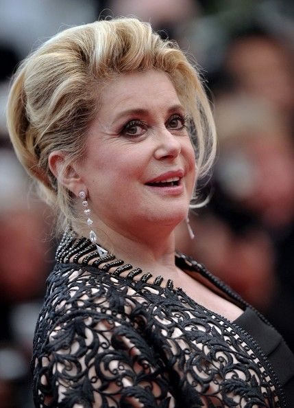 "Catherine Deneuve Photos - ""Les bien-Aimes"" Premiere at the Cannes Film Festival - Zimbio"