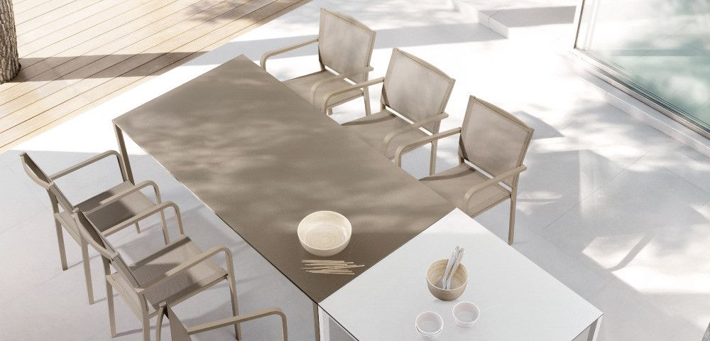 Manutti outdoor dining table