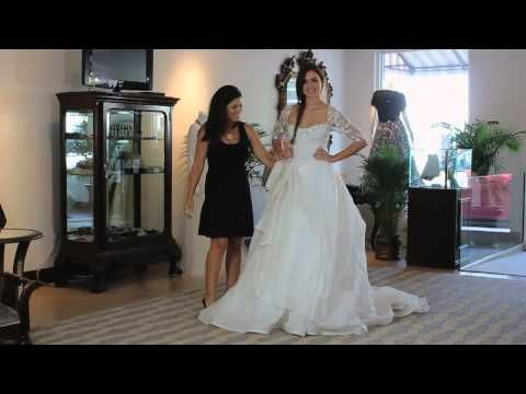 Video: The Best Tulle to Use for Wedding Gowns | eHow
