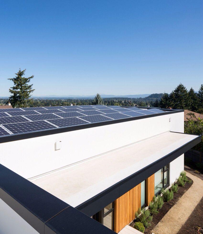 Concealed Solar Panels On Flat Rooftop Gebouwen