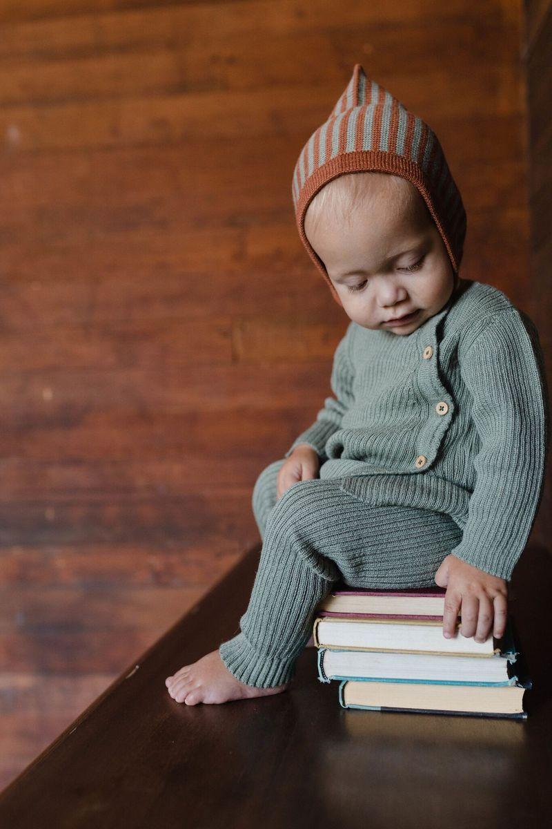 8015706e05523 Fin & Vince Pixie Bonnet, Terracotta-Moss Stripe Enfant, Mode Bébé Garçon,