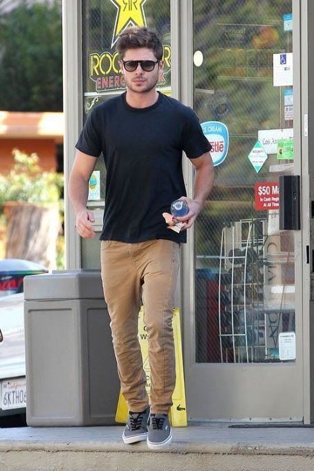 Zac Efron Fashion and Style - Zac Efron Dress Clothes Hairstyle - Whou0026#39;s Dated Who? - Page 2 ...