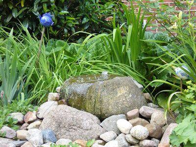Quellstein Wasser im Garten Pinterest Quellstein, Gärten und