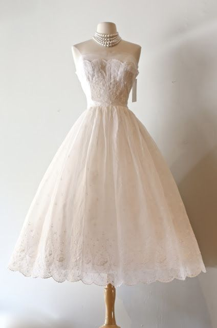 Xtabay Vintage Clothing Boutique Portland Oregon Vintage Clothing Boutique Gorgeous Wedding Dress Beautiful Dresses
