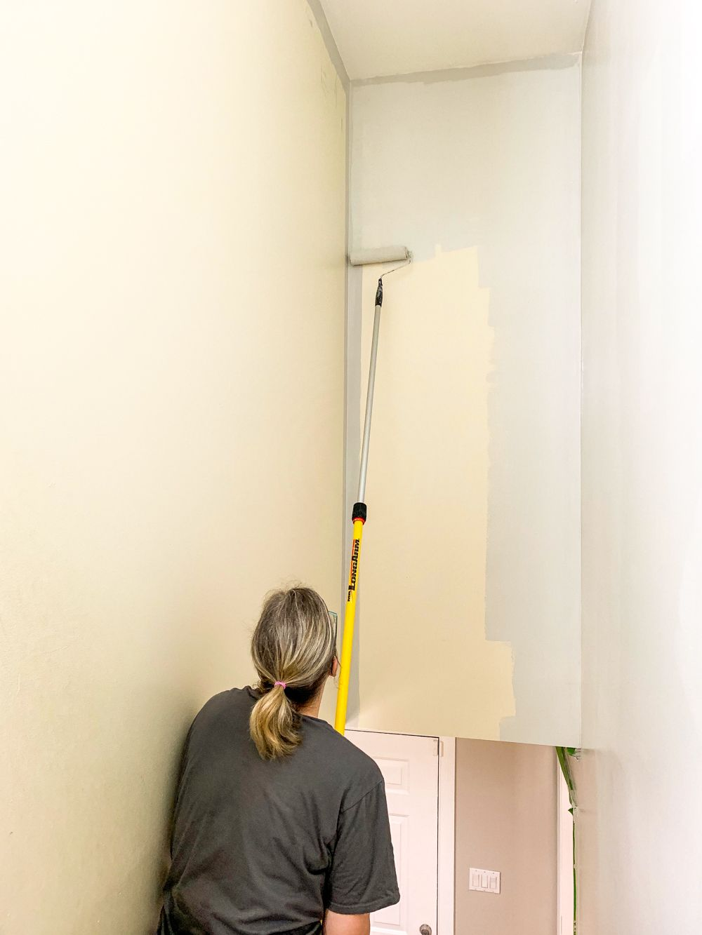 The Inexpensive Way To Paint A Stairwell How To Paint Stairwell Diy Home Repair Stairwell