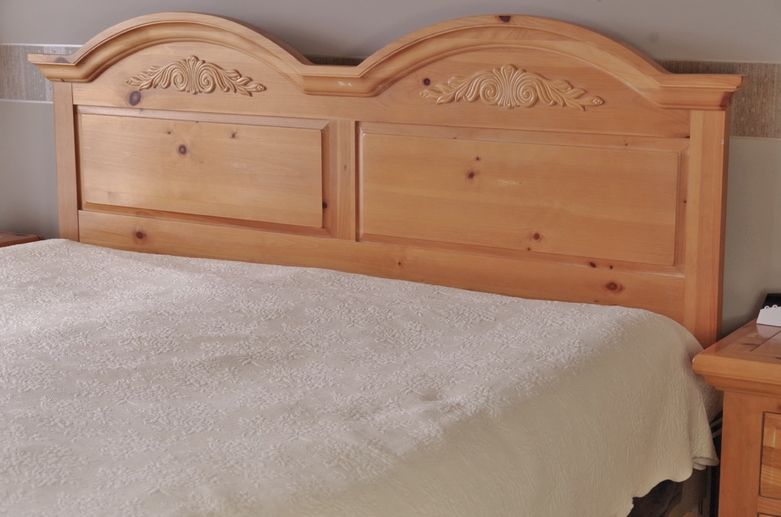 Broyhill Fontana King Size Bed Distressed Pine Broyhill Bed