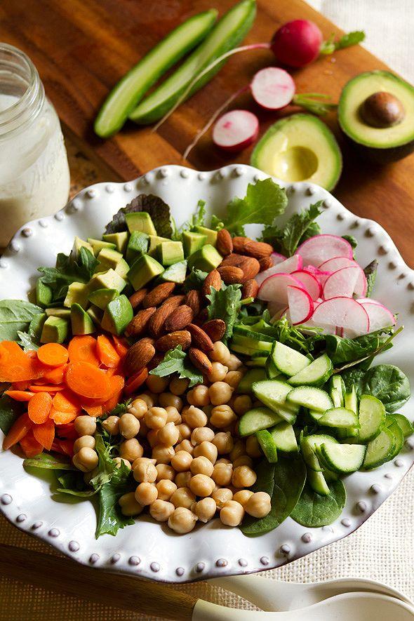 Chopped Salad With Buttermilk Peppercorn Dressing Yemek Tarifi Yemek Salatalar Salata