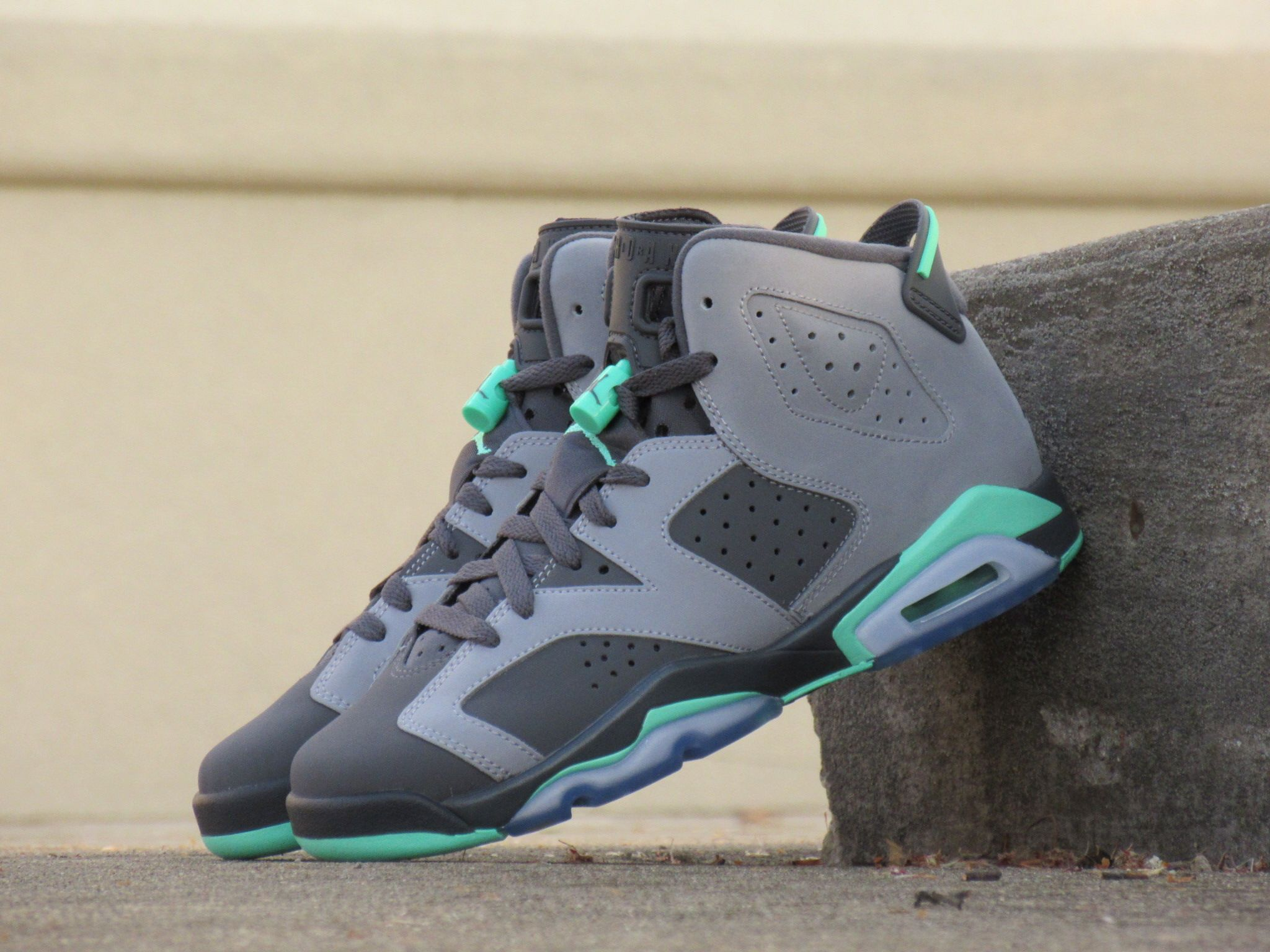 Girls Grade School Air Jordan Retro 6  Green Glow   272c56f73
