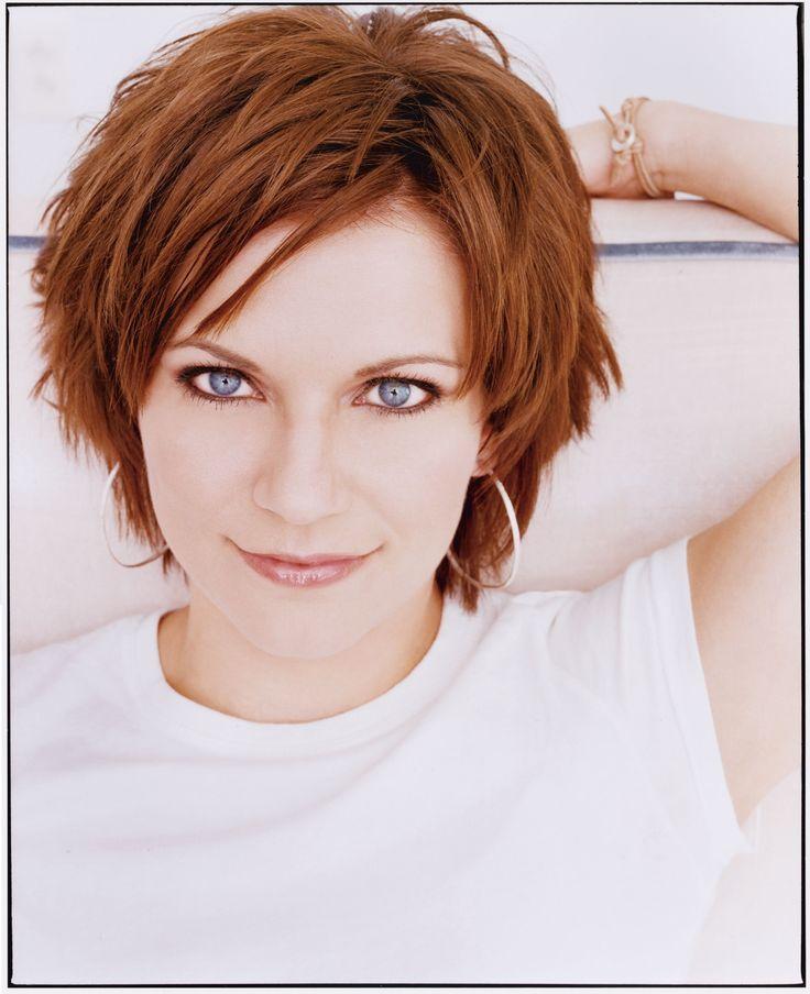 Martina Mcbride Short Hairstyle Photos Short Hair Martina Mcbride