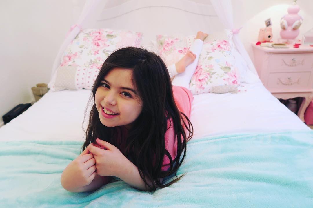 Hi Everyone I Will Be Uploading My Latest Youtube Video Sophia
