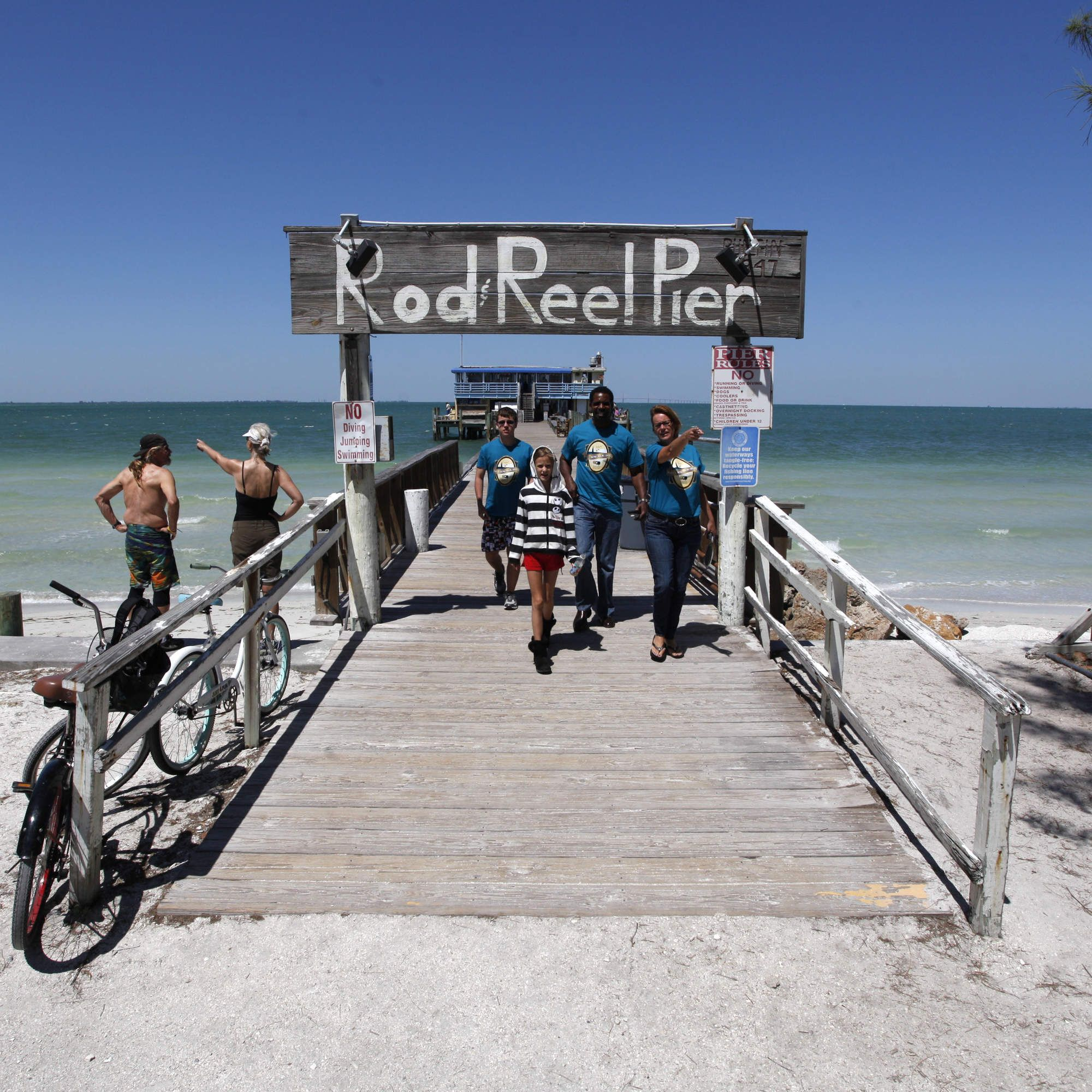 Four Florida Gulf Coast Towns You Absolutely Have To Visit Gulf Coast Florida Florida West Coast Beaches Florida Gulf Coast Beaches