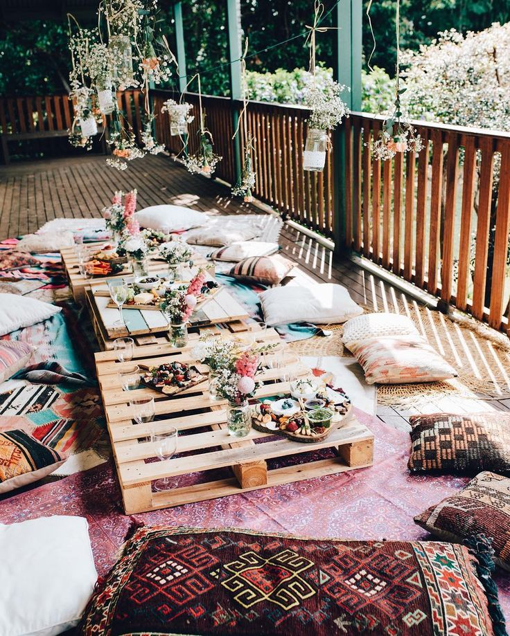 elsas_wholesomelife -- Bohemian outdoor dinner party with ...