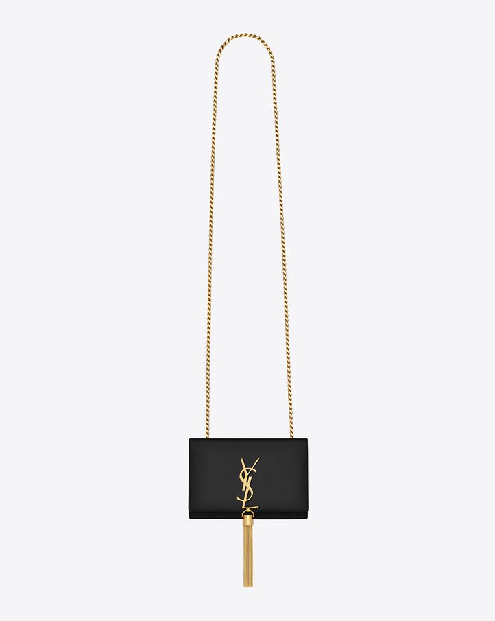 CLASSIC SAINT LAURENT SHOULDER BAG WITH INTERLOCKING METAL YSL SIGNATURE  AND METAL CHAIN TASSEL.